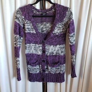 Rue21 small gray/purple long sleeve sweater